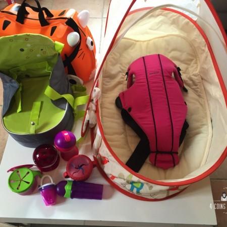 10 Accessoires voyage avec bébé indispensables