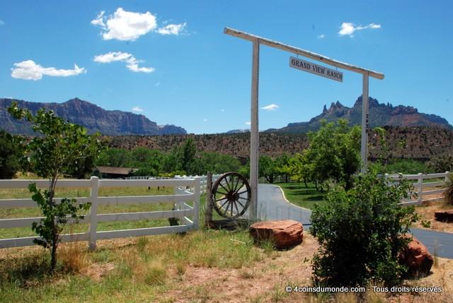 Après les bisons nous sommes tombés sur ce magnifique ranch.