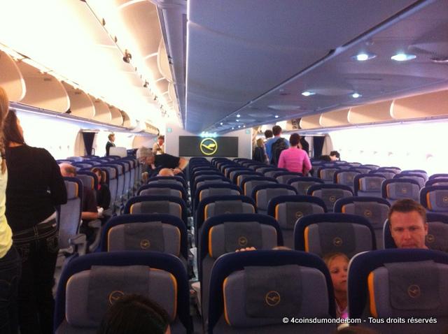 classe économie Lufthansa A380 Miami