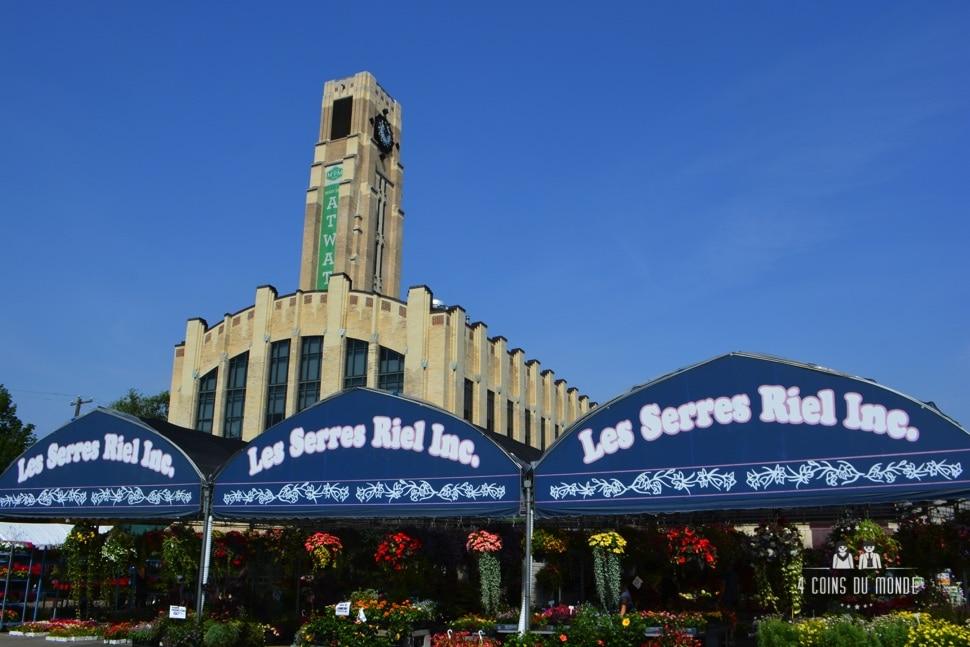 promenade à vélo dans montréal avec passage par le plus beau marché de la ville
